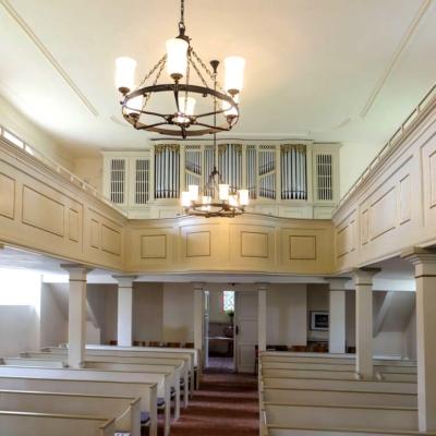 Kirche Langenstriegis Blick zur Orgel